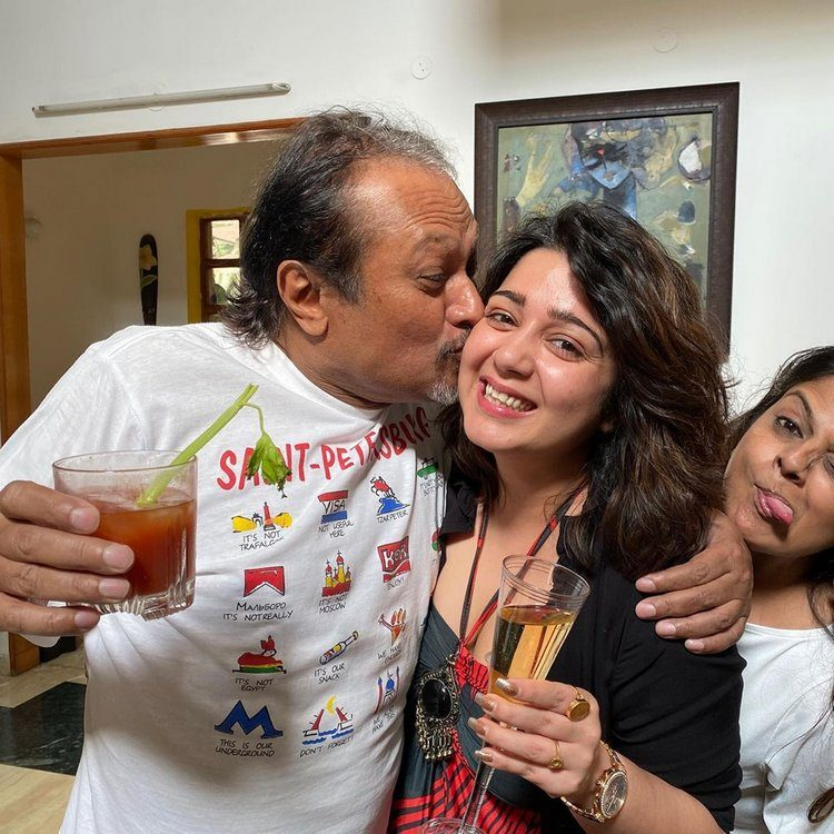 charmme-kaur-party-with-director-jayanth-c-paranjee-2