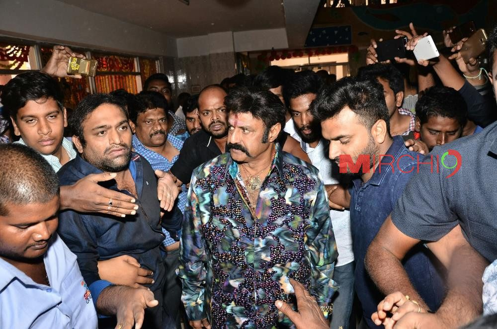 jai-simha-movie-team-at-bhramaramba-theatre-6