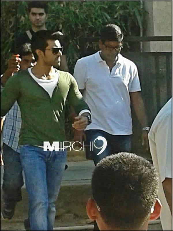 Pic Talk: Ram Charan in Yevadu location