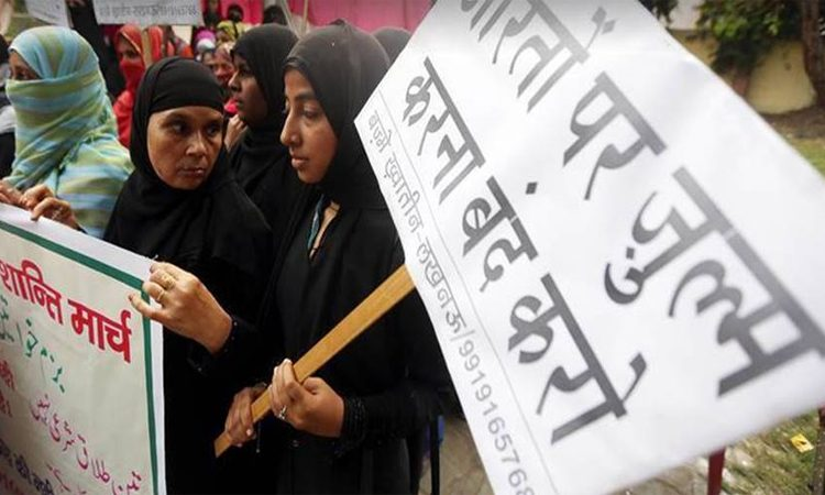 Government Brings in Ordinance To Ban Triple Talaq-